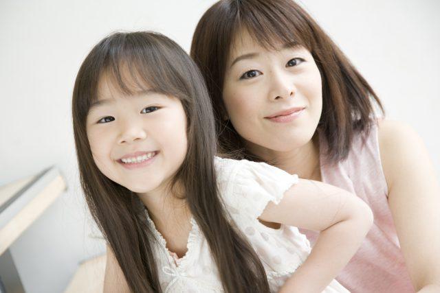 母親(妻)と子供(娘)