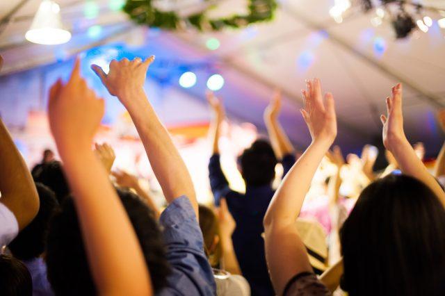 人気アイドルのコンサート