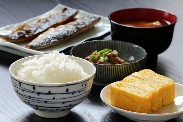 ビオチン豊富な和食の朝食