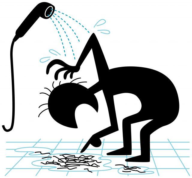 シャワー時、排水溝の抜け毛を気にする男性